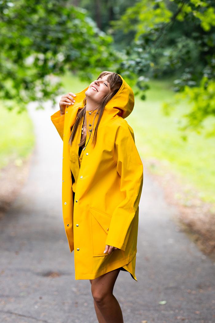 Windproof raincoat